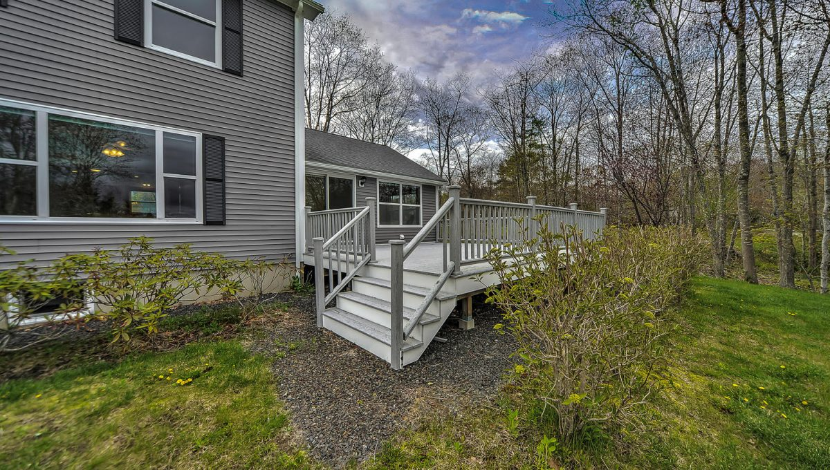 32 Southside Rd New Harbor-large-008-83-re1-1499x1000-72dpi