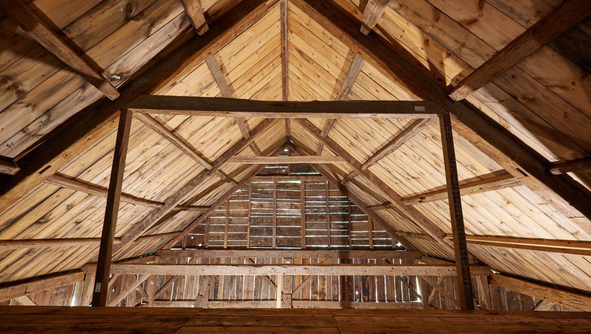20171022_MAK_5711.jpg inside of barn roof Wilband